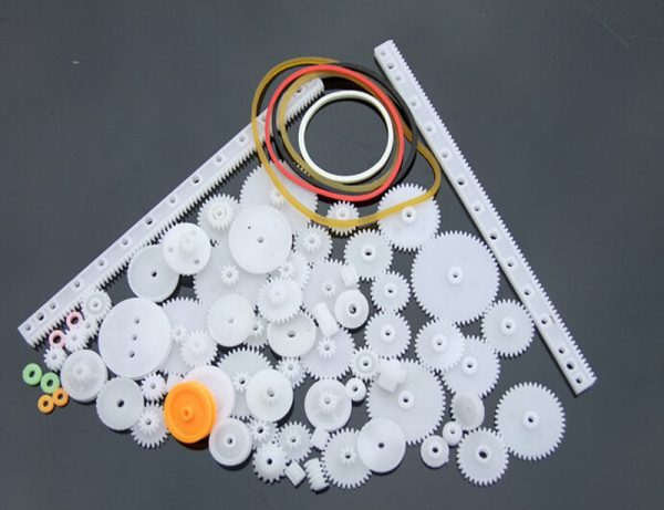 Assorted Plastic Gears and Pulleys Pack